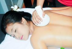 oil massage with hot compress